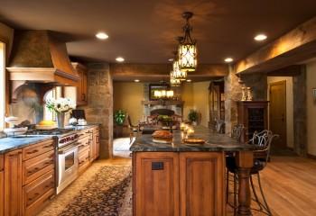 Кухня с шоколадным потолком – стиль кантри