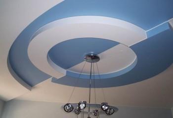 Потолок примечателен не только формой, но и игрой цвета