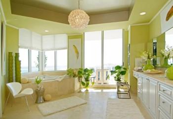 Комбинация жёлто-зелёного и песочного в отделке гипсокартонного потолка и стен