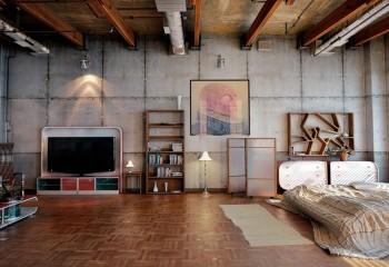 Конструкции под потолком являются главным акцентом в интерьер квартиры-студии