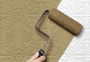 Чтобы получить цветной потолок – на плитки достаточно нанести красочный слой