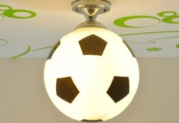Светильник-мяч для подрастающего футболиста