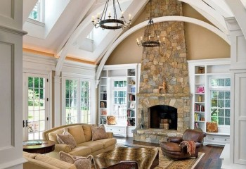Дома со вторым светом идеально подходят для создания сводчатых потолков