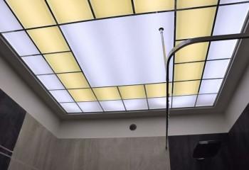 Модульный из стекла лучший вариант для помещений без окон
