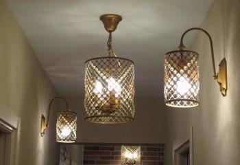 Комбинация потолочного освещения с настенным