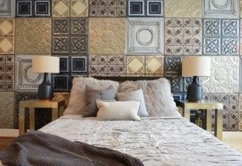 Потолочная плитка на стены – интересный дизайн спальной комнаты