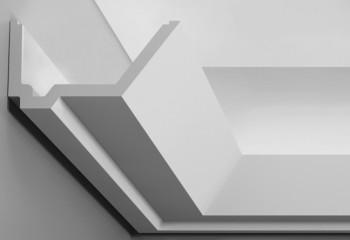 Как стыковать углы потолочного плинтуса, предназначенного под подсветку