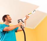 Как красить краскопультом потолок: технология малярных работ