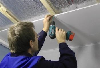 Монтаж обшивки на утеплённый и пароизолированный потолок