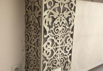 Элемент декора из ажурного МДФ в комнате