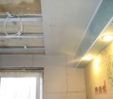 Как выполняется монтаж подвесных потолков: рассмотрим подробно