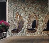 Подвесные кресла к потолку: комфортный отдых на грани полета