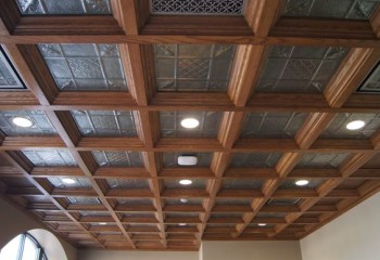 Кессонные красивые потолки деревянные – отличный вариант для дома