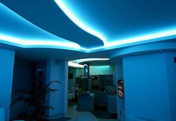 Дизайн потолков из гипсокартона со скрытой подсветкой