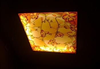 Размещение подсветки по периметру светильника