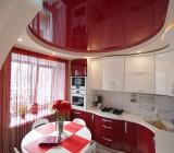 Глянцевые натяжные потолки на кухне — или красиво жить не запретишь