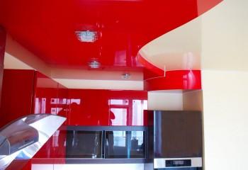 Двухуровневый красный натяжной потолок