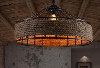 Столь массивный светильник можно повесить только в большом помещении