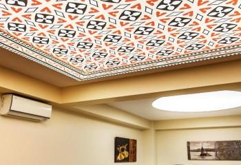 Виды натяжных потолков: конструкционные разновидности и варианты оформления