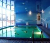 Натяжной потолок в бассейне – красиво и выгодно
