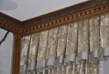 Декоративный деревянный карниз