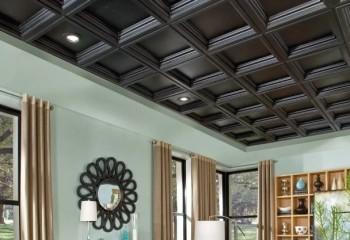 Кессоны на потолке тоже улучшают акустику и очень красиво смотрятся