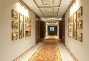 В длинном коридоре потолок лучше разбить на несколько кессонов