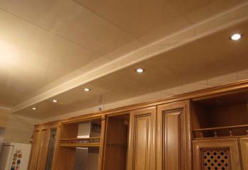 Потолок и короб с подсветкой из пластика