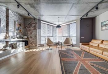 Споты на потолке позволяют организовать функциональное освещение