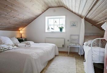 Отделка деревом для спальни в деревенском стиле