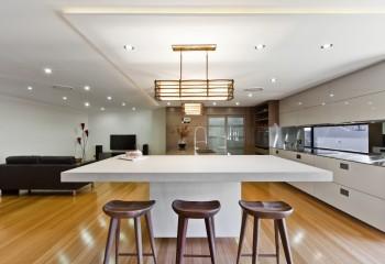 Потолки на кухни из натяжного полотна: ПВХ плёнка практична и эстетична