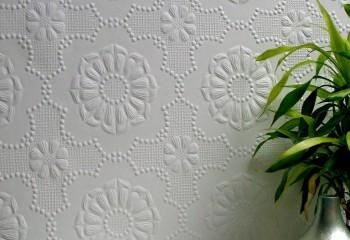 Универсальные белые обои для стен и потолка