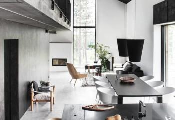 Черный, в светлом интерьере квартиры-студии