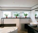 Потолок для ванной – тенденции в отделке