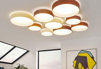 Лучший «друг» бетонного потолка – центральный источник света (люстра)