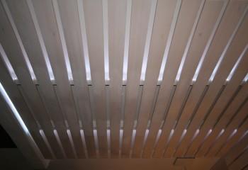 Конструкция открытого типа позволяет предусмотреть внутреннюю подсветку