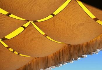 Шерсть так же отлично подходит для оформления потолка