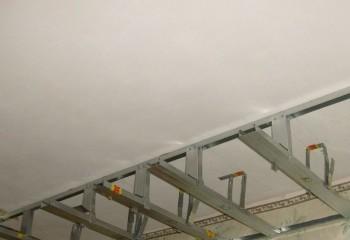 Каркас короба с нишей для подсветки потолка светодиодной лентой
