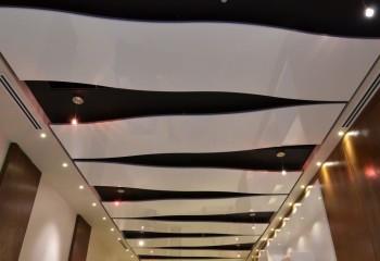 Дизайнерский вариант пластикового потолка