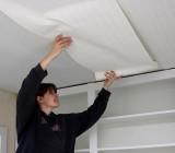 Как клеить на потолок флизелиновые обои: подробное описание и советы специалистов