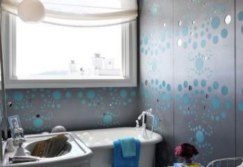 Зеркальные потолки для ванной комнаты из плитки