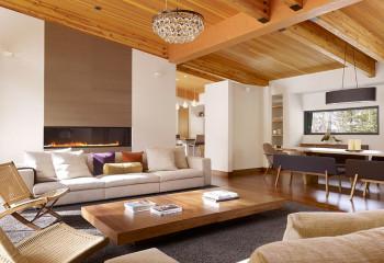 Фасадная доска (планкен) прекрасно подходит и для потолков
