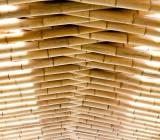 Оформление потолка бамбуком: материал, который не теряет актуальности сотни лет