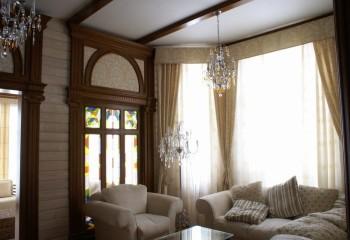 Открытые балки перекрытия – потолок натянут между ними