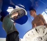 Как повесить люстру на натяжной потолок – разбираем принципы монтажа и типы крепления