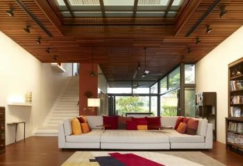 Великолепное сочетание дерева и стекла