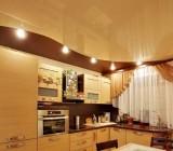 Какой лучше потолок сделать на кухне – обзор наиболее популярных способов