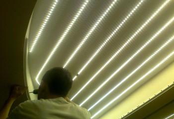 Светодиодное освещение натяжного потолка: эти ленты подсветят потолок изнутри
