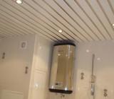 Навесные потолки в ванной: виды и особенности монтажа