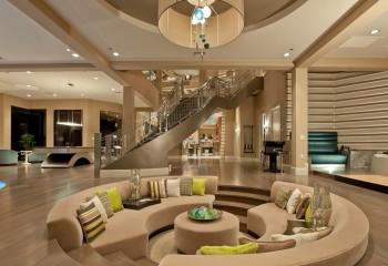 Пробковые потолки улучшают акустику в таких больших помещениях